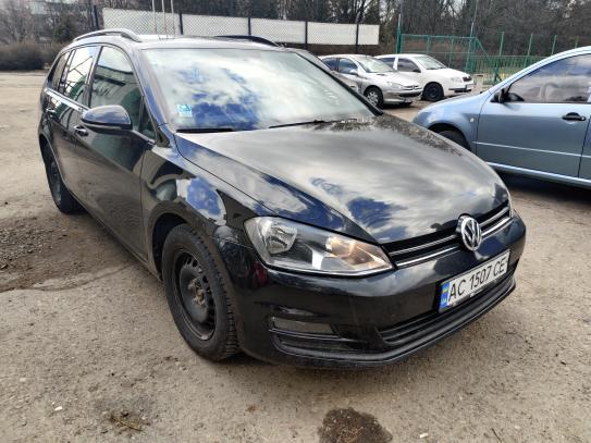 Авто в кредит: Volkswagen Golf в кредит, 2014г. 7400 грн./мес, Луцк
